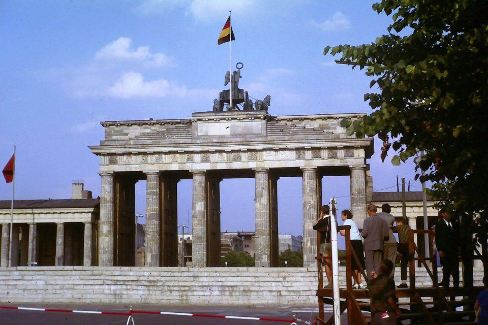 30 Jahre danach - ist die deutsche Einheit ein Erfolgsmodell?,kasaan media, 2020